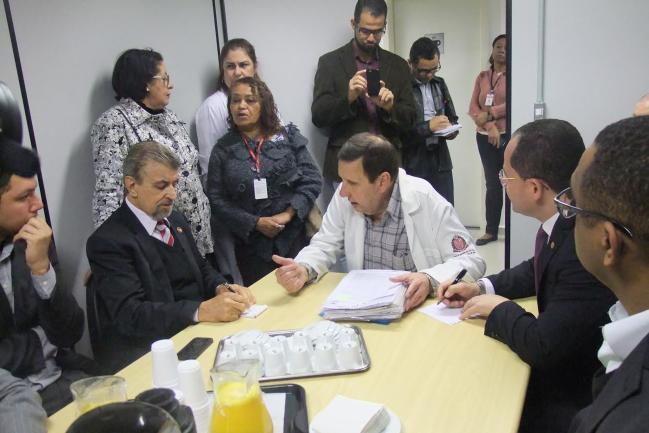 Reforma e funcionários para o Hospital Regional de Osasco