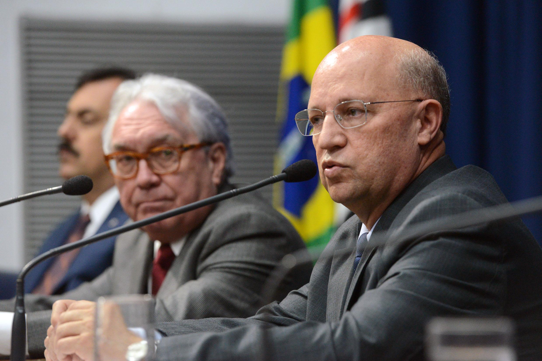 Manoel Pereira Calças e Carlos Neder <a style='float:right' href='https://www3.al.sp.gov.br/repositorio/noticia/N-06-2018/fg224151.jpg' target=_blank><img src='/_img/material-file-download-white.png' width='14px' alt='Clique para baixar a imagem'></a>