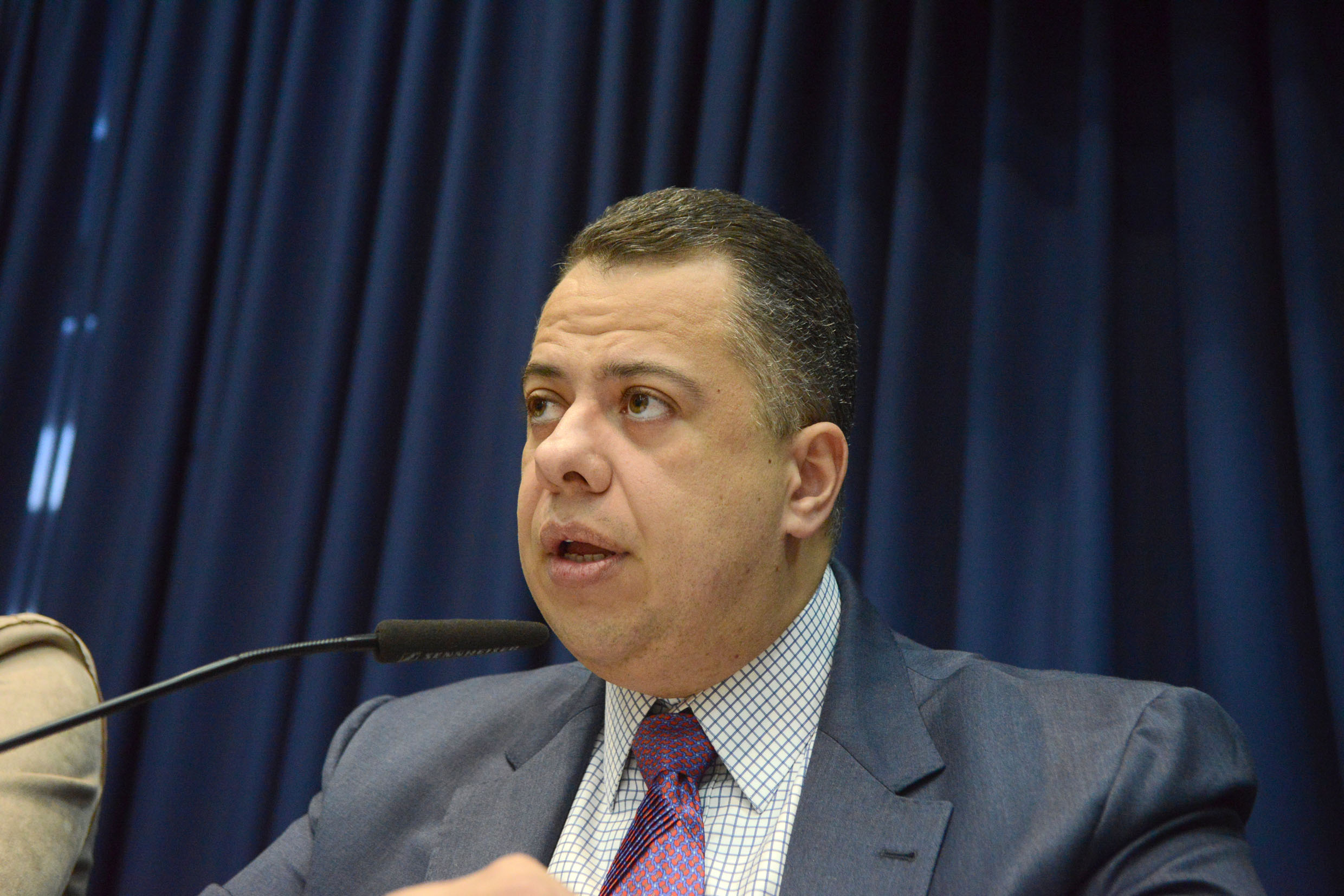 Wellington Moura preside a CPI<a style='float:right' href='https://www3.al.sp.gov.br/repositorio/noticia/N-06-2019/fg235624.jpg' target=_blank><img src='/_img/material-file-download-white.png' width='14px' alt='Clique para baixar a imagem'></a>