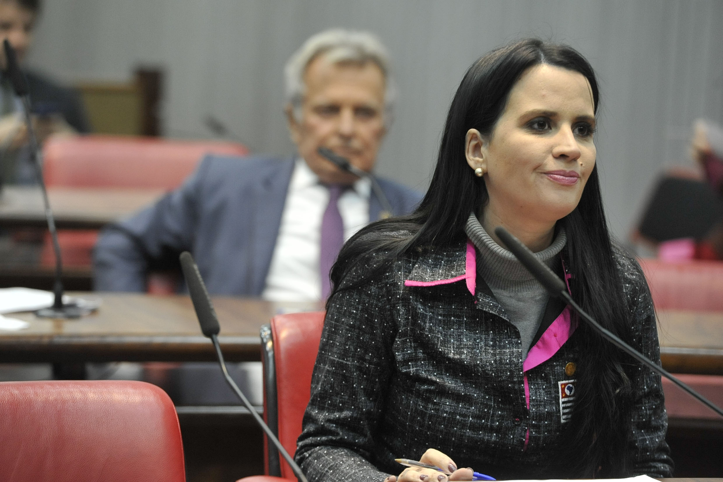 Ataide Teruel e Leticia Aguiar<a style='float:right' href='https://www3.al.sp.gov.br/repositorio/noticia/N-06-2019/fg235670.jpg' target=_blank><img src='/_img/material-file-download-white.png' width='14px' alt='Clique para baixar a imagem'></a>
