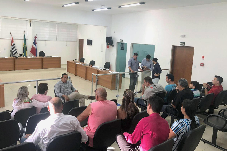 Altair Moraes visita a Câmara Municipal de porto Ferreira<a style='float:right' href='https://www3.al.sp.gov.br/repositorio/noticia/N-06-2019/fg235701.jpg' target=_blank><img src='/_img/material-file-download-white.png' width='14px' alt='Clique para baixar a imagem'></a>