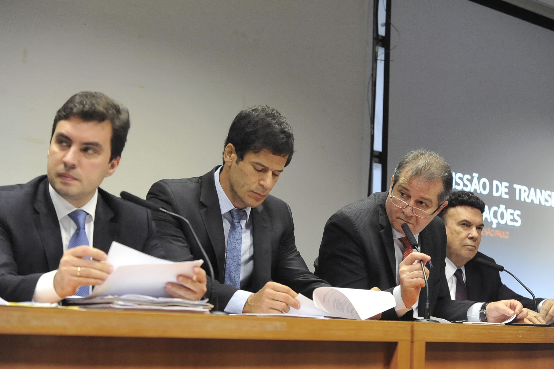 Vinicius Camarinha, Rogério Nogueira, Luiz Fernando e Campos Machado<a style='float:right' href='https://www3.al.sp.gov.br/repositorio/noticia/N-06-2019/fg236039.jpg' target=_blank><img src='/_img/material-file-download-white.png' width='14px' alt='Clique para baixar a imagem'></a>
