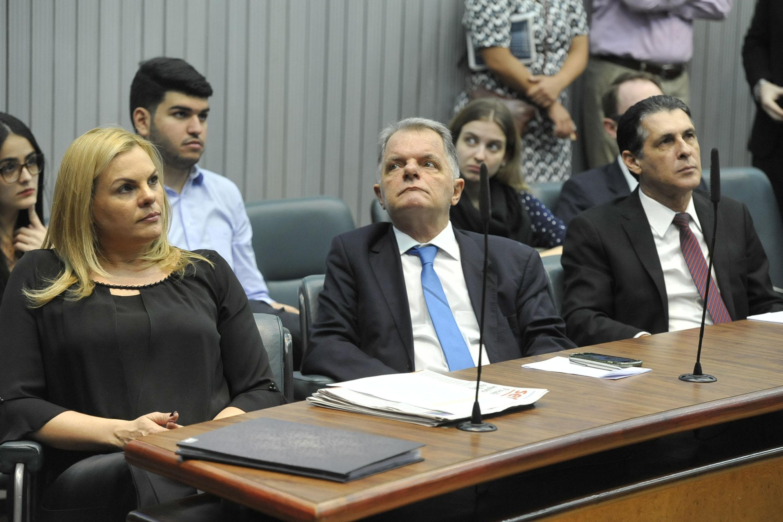 Carla Morando, Mauro Bragato e Sebastião Santos<a style='float:right' href='https://www3.al.sp.gov.br/repositorio/noticia/N-06-2019/fg236314.jpg' target=_blank><img src='/_img/material-file-download-white.png' width='14px' alt='Clique para baixar a imagem'></a>