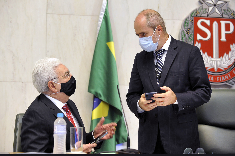 Professor Walter Vicioni toma posse como deputado na Assembleia Legislativa do Estado de São Paulo<a style='float:right' href='https://www3.al.sp.gov.br/repositorio/noticia/N-06-2021/fg268082.jpg' target=_blank><img src='/_img/material-file-download-white.png' width='14px' alt='Clique para baixar a imagem'></a>