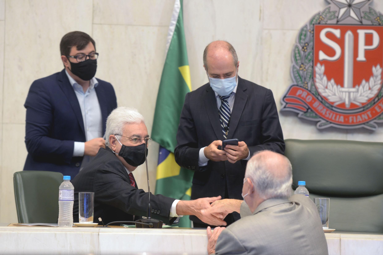 Professor Walter Vicioni toma posse como deputado na Assembleia Legislativa do Estado de São Paulo<a style='float:right' href='https://www3.al.sp.gov.br/repositorio/noticia/N-06-2021/fg268107.jpg' target=_blank><img src='/_img/material-file-download-white.png' width='14px' alt='Clique para baixar a imagem'></a>