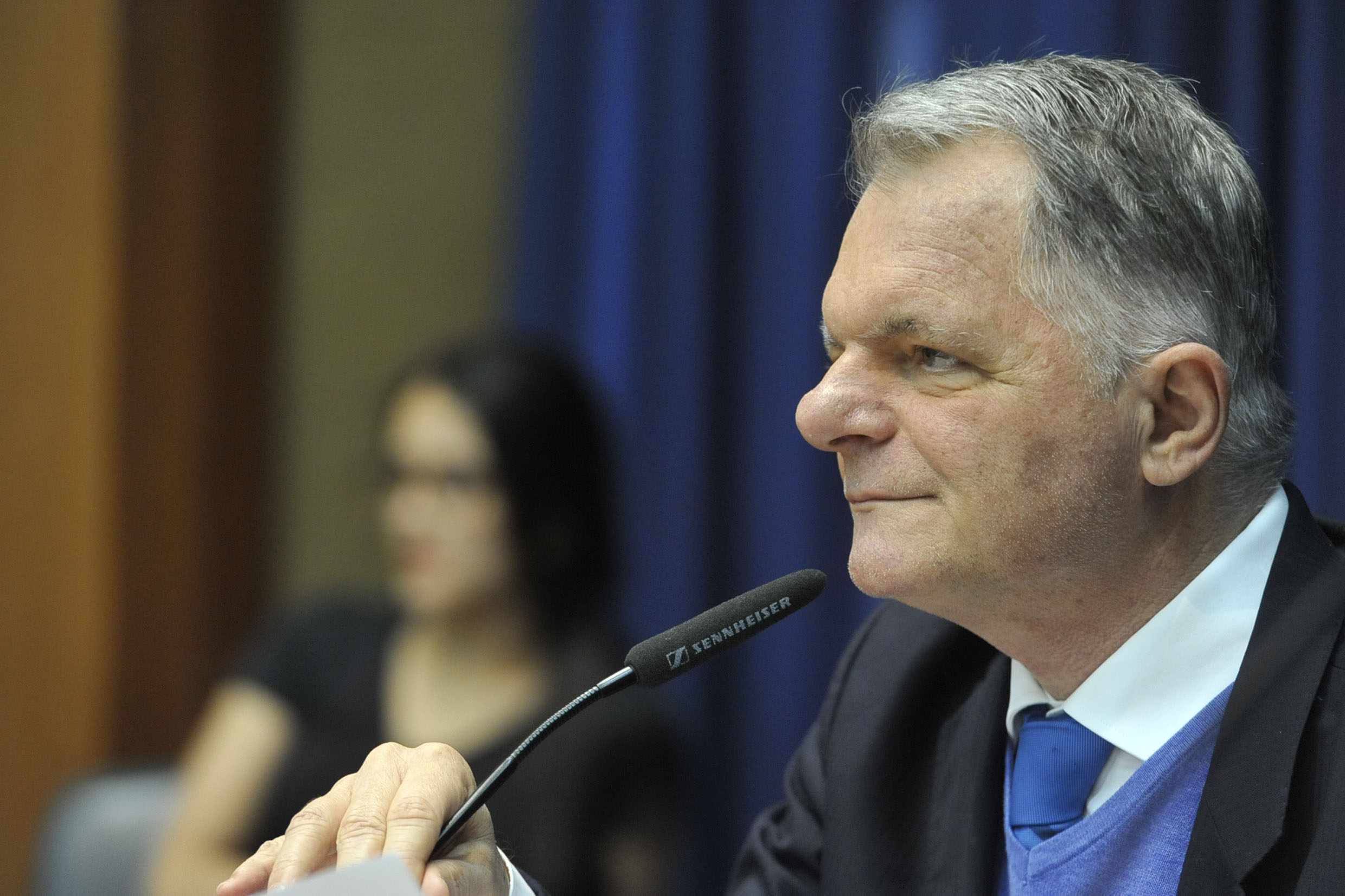Mauro Bragato preside a comissão<a style='float:right' href='https://www3.al.sp.gov.br/repositorio/noticia/N-08-2019/fg237529.jpg' target=_blank><img src='/_img/material-file-download-white.png' width='14px' alt='Clique para baixar a imagem'></a>