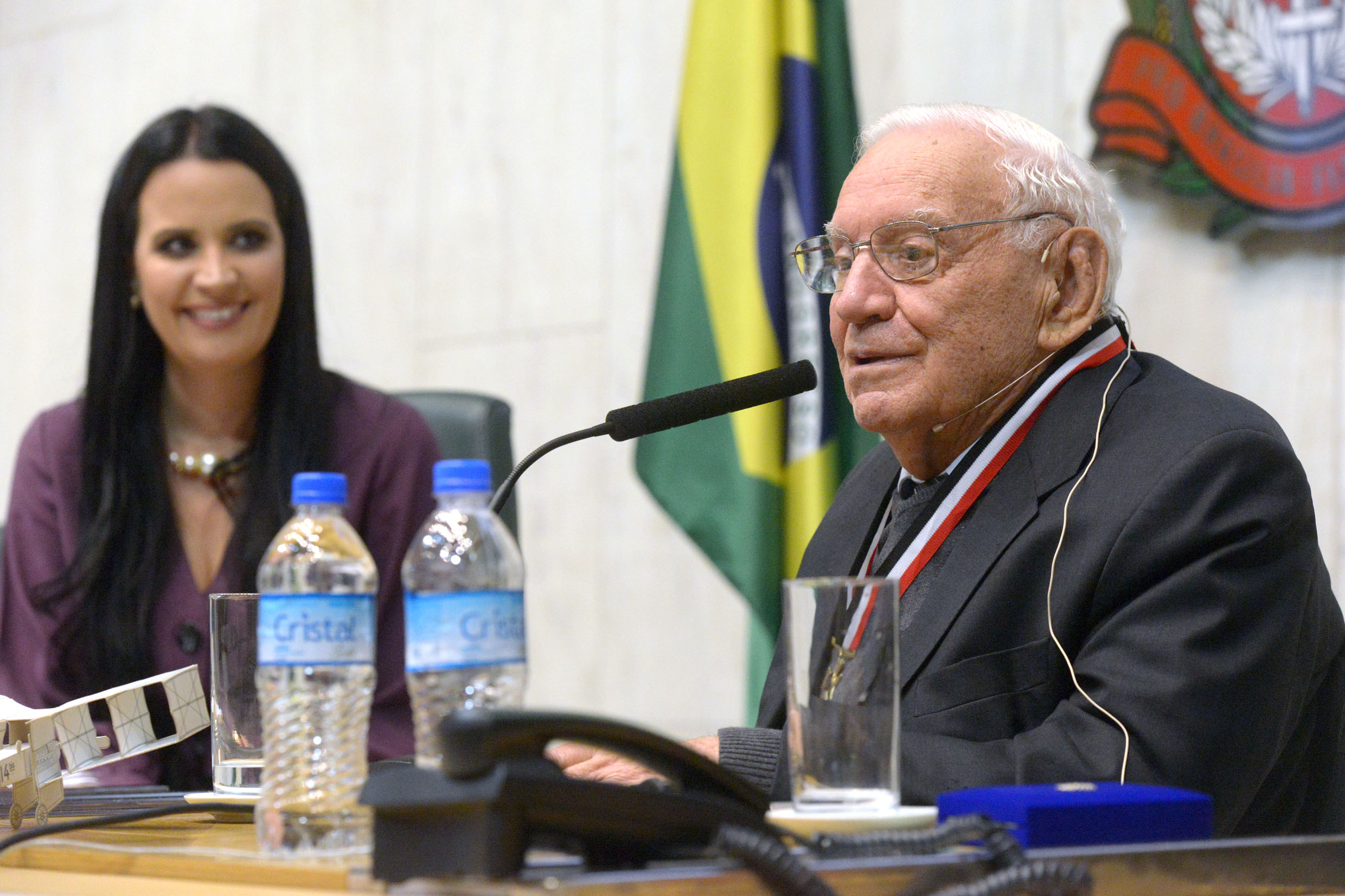 Leticia Aguiar e Ozires Silva<a style='float:right' href='https://www3.al.sp.gov.br/repositorio/noticia/N-08-2019/fg238351.jpg' target=_blank><img src='/_img/material-file-download-white.png' width='14px' alt='Clique para baixar a imagem'></a>