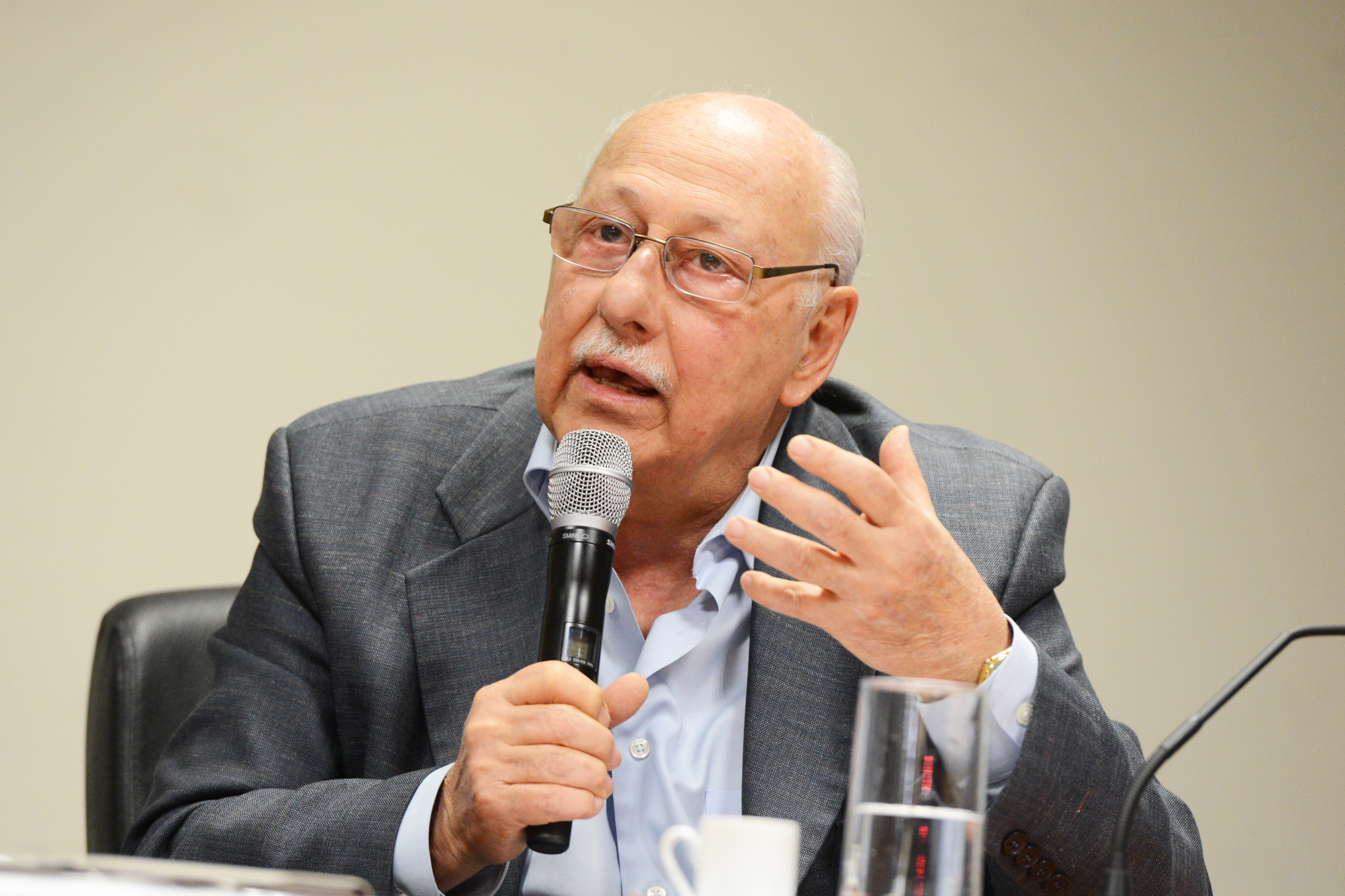 Walter Colli<a style='float:right' href='https://www3.al.sp.gov.br/repositorio/noticia/N-09-2014/fg165042.jpg' target=_blank><img src='/_img/material-file-download-white.png' width='14px' alt='Clique para baixar a imagem'></a>