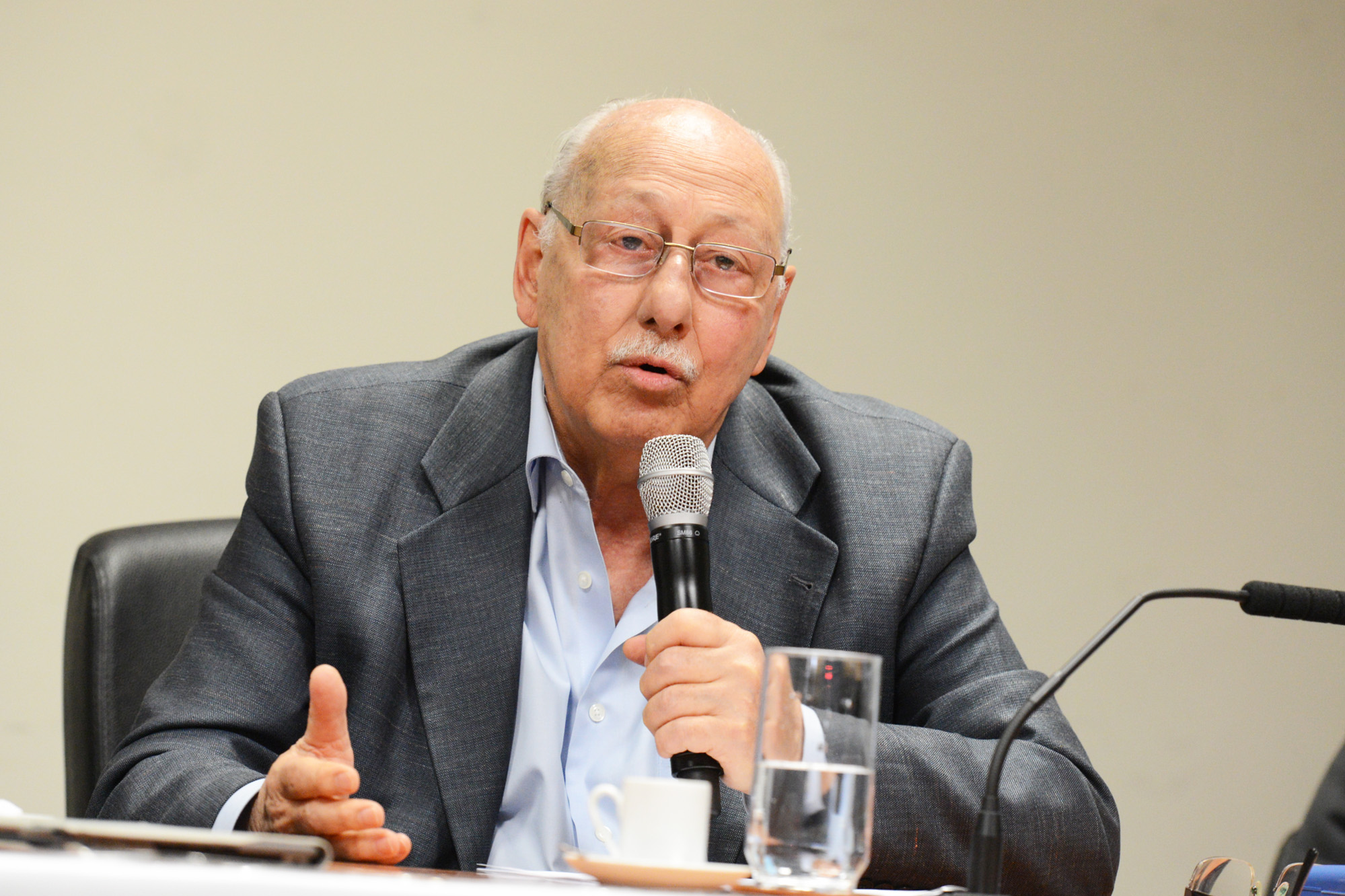 Walter Colli<a style='float:right' href='https://www3.al.sp.gov.br/repositorio/noticia/N-09-2014/fg165046.jpg' target=_blank><img src='/_img/material-file-download-white.png' width='14px' alt='Clique para baixar a imagem'></a>