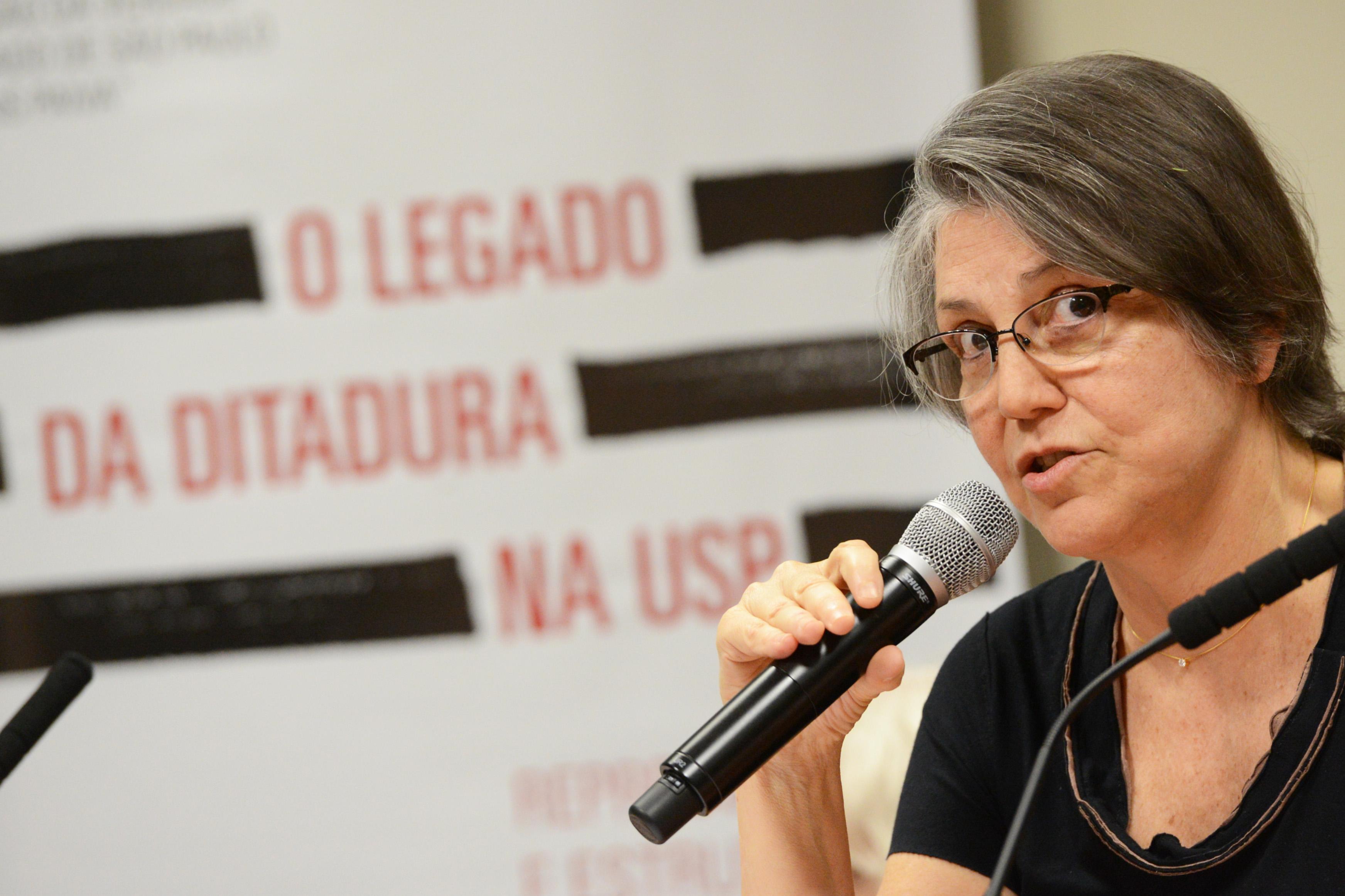 Janice Theodoro, presidente da Comissão da Verdade da USP<a style='float:right' href='https://www3.al.sp.gov.br/repositorio/noticia/N-09-2014/fg165049.jpg' target=_blank><img src='/_img/material-file-download-white.png' width='14px' alt='Clique para baixar a imagem'></a>