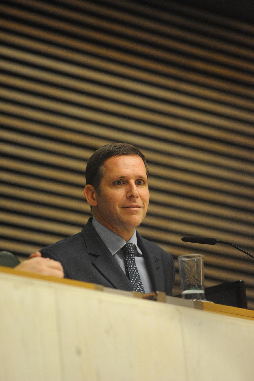 Fernando Capez na condução dos trabalhos da sessão plenária <a style='float:right' href='https://www3.al.sp.gov.br/repositorio/noticia/N-09-2015/fg175157.jpg' target=_blank><img src='/_img/material-file-download-white.png' width='14px' alt='Clique para baixar a imagem'></a>