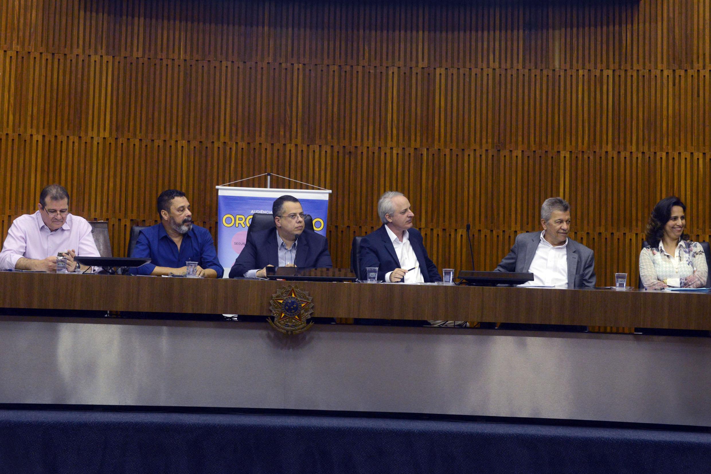 Mesa da audiência pública