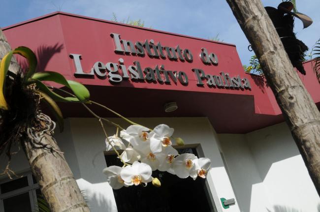 Fachada do Instituto Legislativo Paulista.