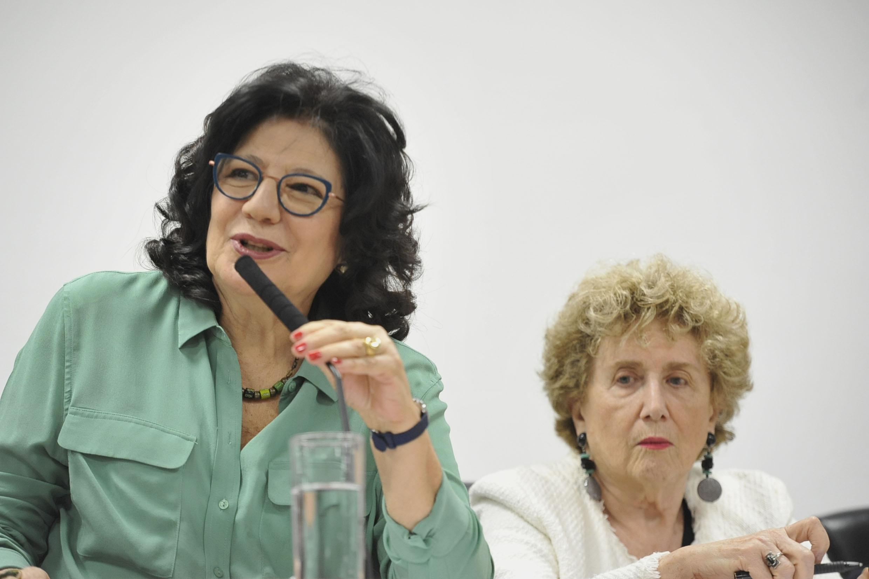 Beth Sahão e Eva Blay<a style='float:right' href='https://www3.al.sp.gov.br/repositorio/noticia/N-09-2019/fg239749.jpg' target=_blank><img src='/_img/material-file-download-white.png' width='14px' alt='Clique para baixar a imagem'></a>