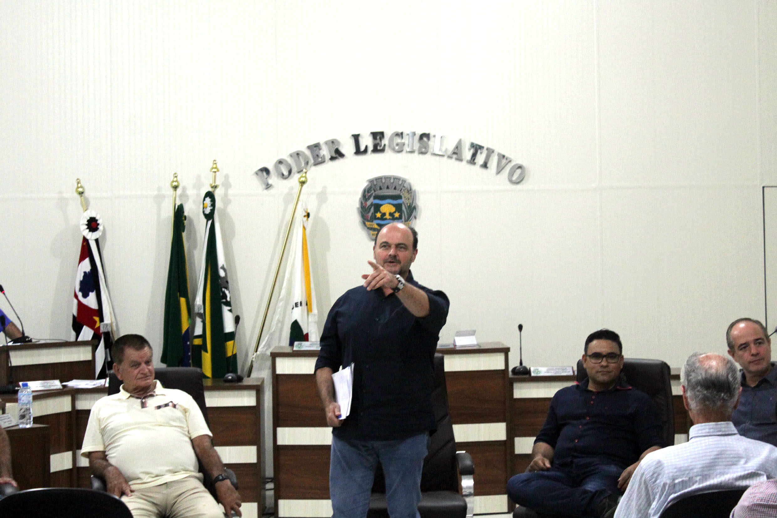 Ricardo Madalena (ao centro)<a style='float:right' href='https://www3.al.sp.gov.br/repositorio/noticia/N-10-2017/fg210441.jpg' target=_blank><img src='/_img/material-file-download-white.png' width='14px' alt='Clique para baixar a imagem'></a>