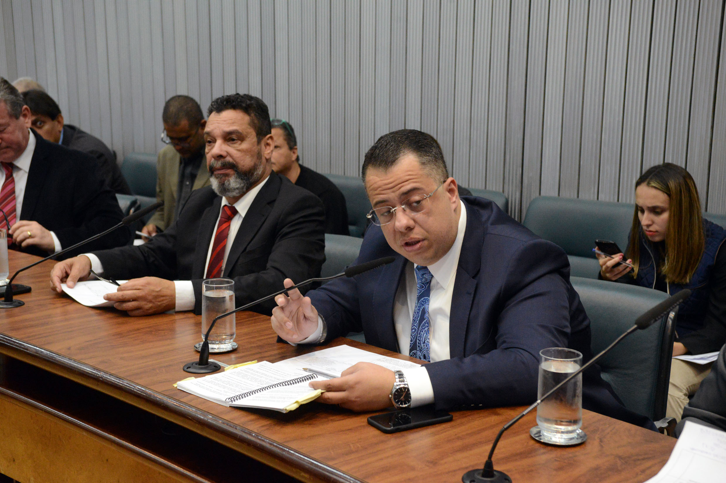 Teonilio Barba e Wellington Moura<a style='float:right' href='https://www3.al.sp.gov.br/repositorio/noticia/N-10-2017/fg211226.jpg' target=_blank><img src='/_img/material-file-download-white.png' width='14px' alt='Clique para baixar a imagem'></a>
