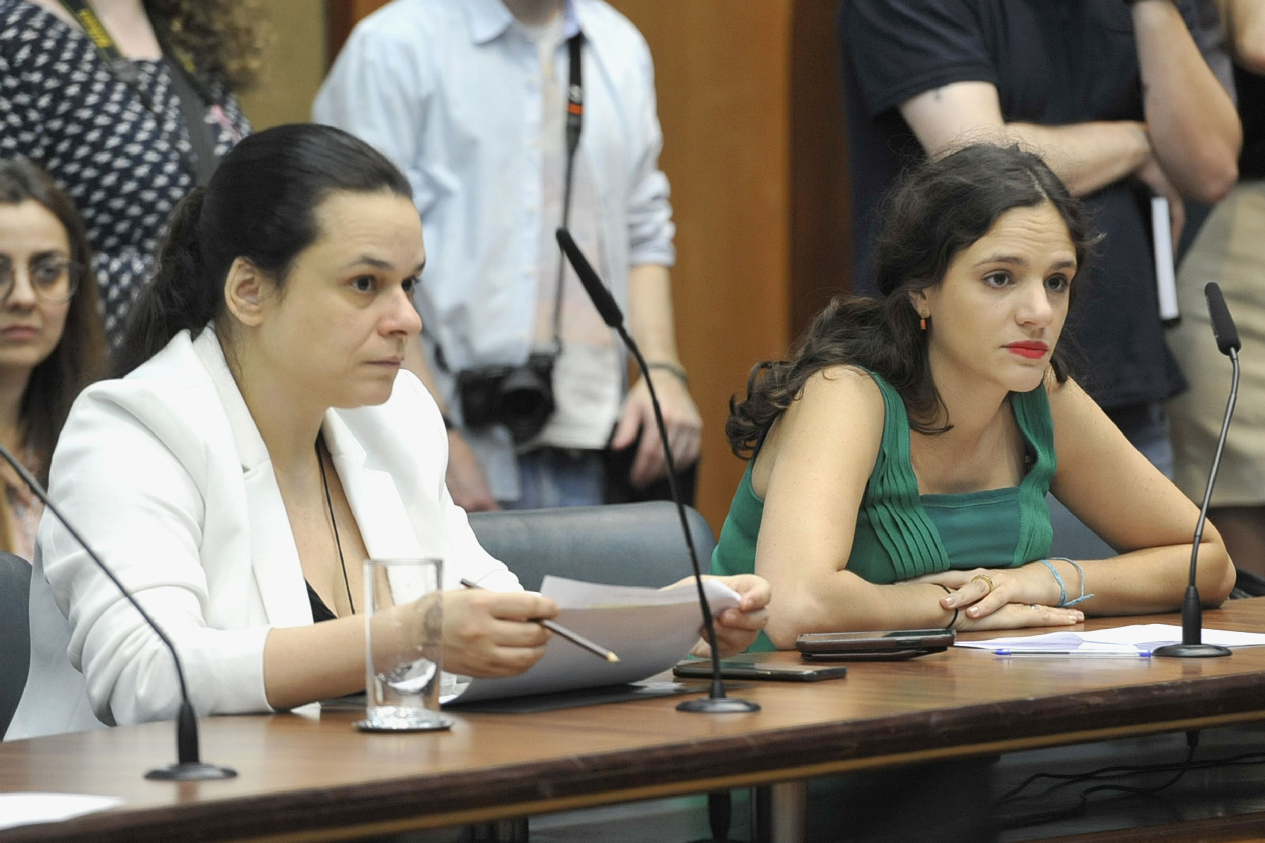 Janaina Paschoal e Marina Helou<a style='float:right' href='https://www3.al.sp.gov.br/repositorio/noticia/N-10-2019/fg240963.jpg' target=_blank><img src='/_img/material-file-download-white.png' width='14px' alt='Clique para baixar a imagem'></a>
