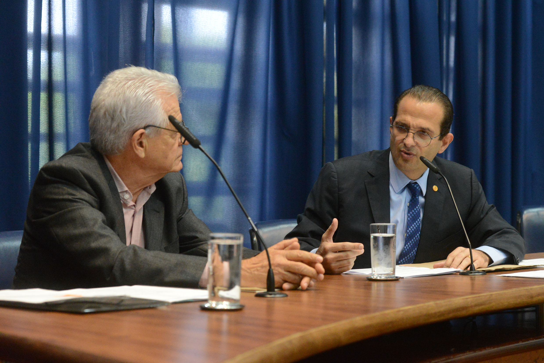 Luiz Roberto Beber e Edmir Chedid<a style='float:right' href='https://www3.al.sp.gov.br/repositorio/noticia/N-10-2019/fg242398.jpg' target=_blank><img src='/_img/material-file-download-white.png' width='14px' alt='Clique para baixar a imagem'></a>