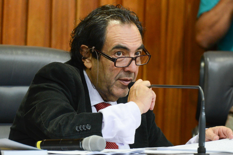 Adriano Diogo, presidente da comissão<a style='float:right' href='https://www3.al.sp.gov.br/repositorio/noticia/N-11-2013/fg149351.jpg' target=_blank><img src='/_img/material-file-download-white.png' width='14px' alt='Clique para baixar a imagem'></a>
