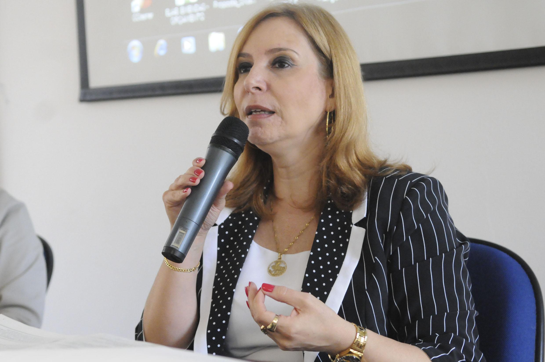 Elaine Cristina Monteiro Cavalcante<a style='float:right' href='https://www3.al.sp.gov.br/repositorio/noticia/N-11-2013/fg149419.jpg' target=_blank><img src='/_img/material-file-download-white.png' width='14px' alt='Clique para baixar a imagem'></a>
