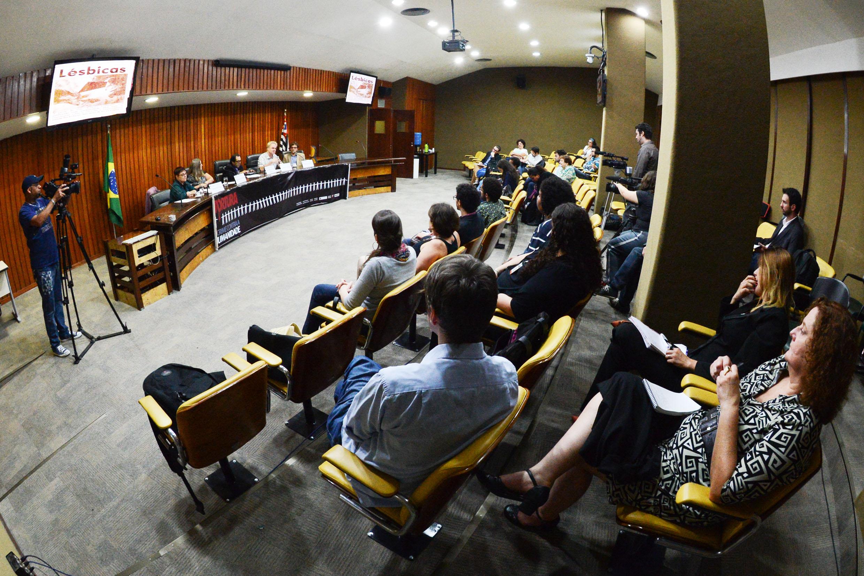 Reunião desta terça-feira, 26/11 da Comissão da Verdade do Estado de São Paulo Rubens Paiva<a style='float:right' href='https://www3.al.sp.gov.br/repositorio/noticia/N-11-2013/fg149486.jpg' target=_blank><img src='/_img/material-file-download-white.png' width='14px' alt='Clique para baixar a imagem'></a>