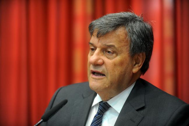 Roberto Massafera preside a reunião da CPI Fosfoetanolamina