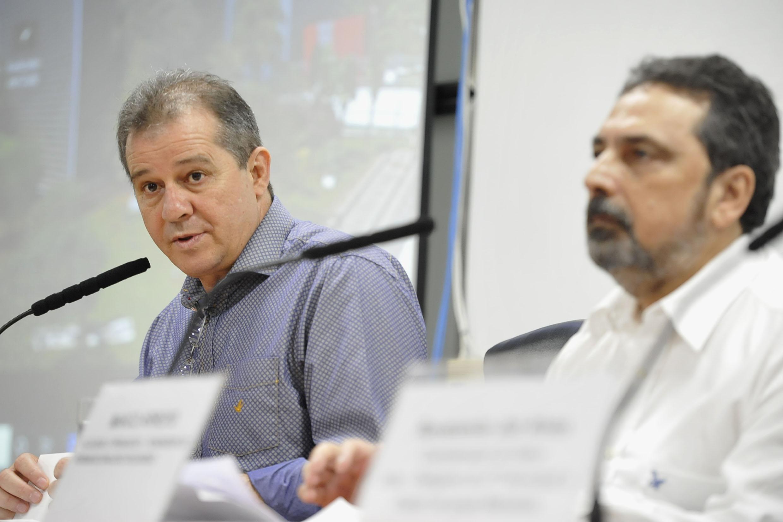 Luiz Fernando Teixeira e Marco Arroyo<a style='float:right' href='https://www3.al.sp.gov.br/repositorio/noticia/N-11-2019/fg243639.jpg' target=_blank><img src='/_img/material-file-download-white.png' width='14px' alt='Clique para baixar a imagem'></a>