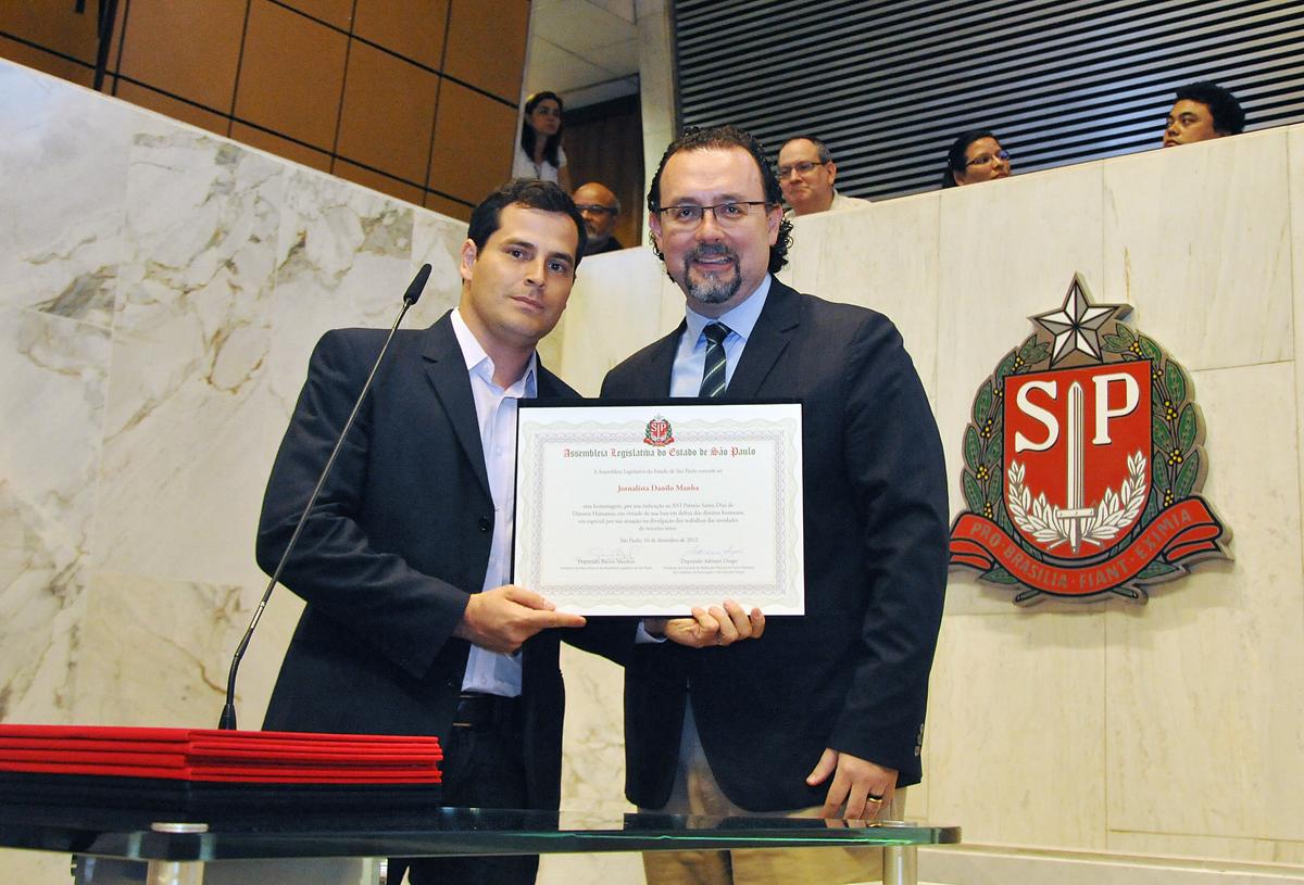 Danilo Manha e Carlos Bezerra <a style='float:right' href='https://www3.al.sp.gov.br/repositorio/noticia/N-12-2012/fg120084.jpg' target=_blank><img src='/_img/material-file-download-white.png' width='14px' alt='Clique para baixar a imagem'></a>