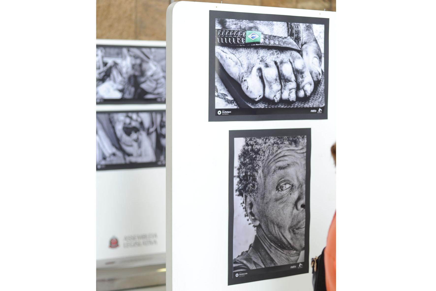 Exposição &quot;São Paulo Mostra sua Cara! O verdadeiro retrato das pessoas em situação de rua de SP&quot;<a style='float:right' href='https://www3.al.sp.gov.br/repositorio/noticia/N-12-2017/fg214390.jpg' target=_blank><img src='/_img/material-file-download-white.png' width='14px' alt='Clique para baixar a imagem'></a>