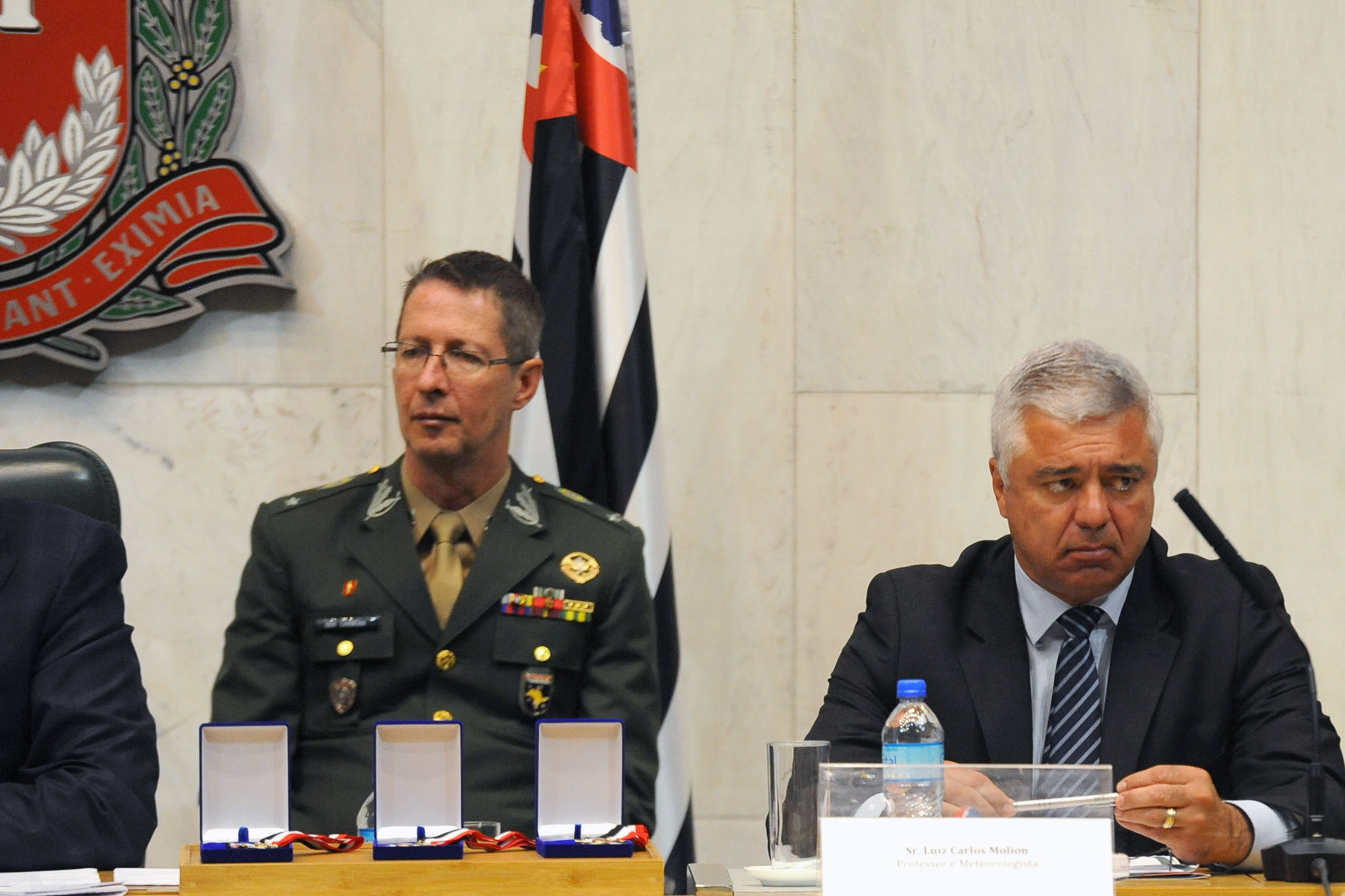 General Carmona e Major Olimpio <a style='float:right' href='https://www3.al.sp.gov.br/repositorio/noticia/N-12-2019/fg244871.jpg' target=_blank><img src='/_img/material-file-download-white.png' width='14px' alt='Clique para baixar a imagem'></a>