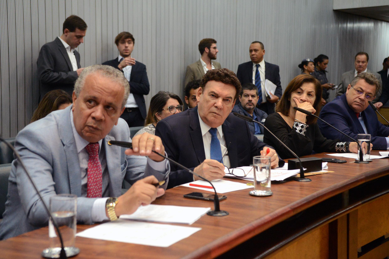 Tenente Nascimento, Campos Machado,Marta Costa e Emidio de Souza<a style='float:right' href='https://www3.al.sp.gov.br/repositorio/noticia/N-12-2019/fg245070.jpg' target=_blank><img src='/_img/material-file-download-white.png' width='14px' alt='Clique para baixar a imagem'></a>