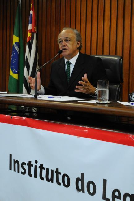 Presidente do TCE orienta gestores municipais
