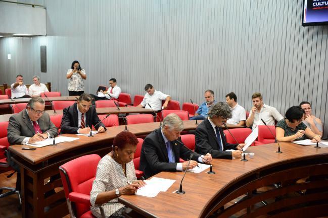 Adilson Rossi,Gilmaci Santos,Leci Brandão,Welson Gasparini,Carlos Giannazi e Marcia Lia