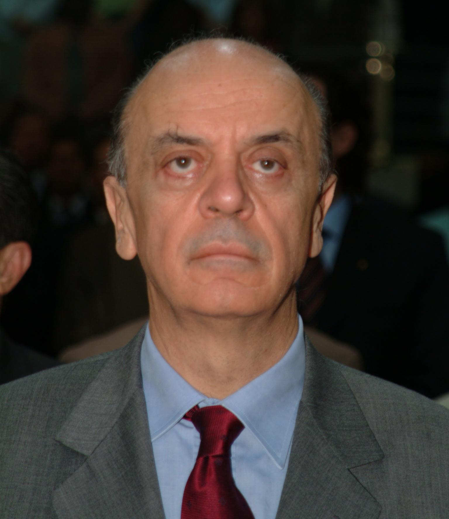 Prefeito José Serra<a style='float:right' href='https://www3.al.sp.gov.br/repositorio/noticia/hist/Serra2.jpg' target=_blank><img src='/_img/material-file-download-white.png' width='14px' alt='Clique para baixar a imagem'></a>